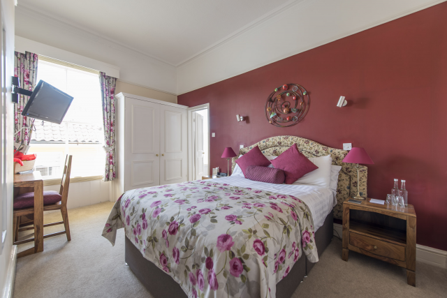 Double Bedded En suite Room